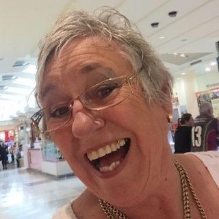 Maxine Folland